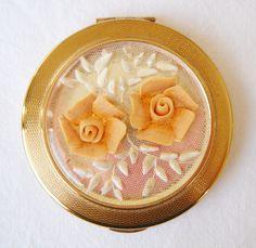 Coral Flower Kigu Compact #antique #vintage #compact