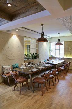 Restaurant Bella Vespa Glyfada Vespa, Dining Table, Restaurant, Bar, Furniture, Home Decor, Cooking, Wasp, Hornet