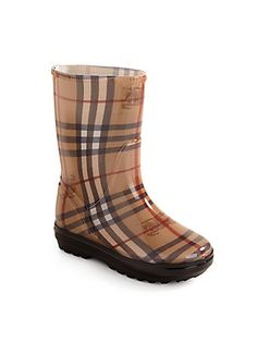 Can't wait till Baby V can walk. Burberry Kids, Burberry Shoes, Baby Girl Fashion, Kids Fashion, Cute Outfits For Kids, Baby Outfits, Little Fashionista, Girly Things, Baby Things