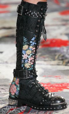 Alexander McQueen SS2017 Women's Fashion RTW | Purely Inspiration