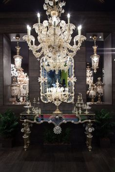 Intricate And Dramatic Chandelier Designs And Their History ...