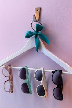 I def need to do this with all the shades i have.  Ideas to Decorate Your Home - Fast and Cheap