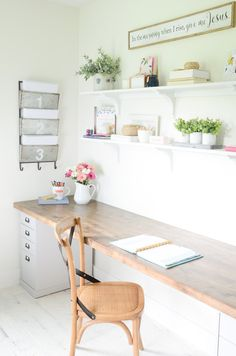 DIY Butcher Block Desk for my Home Office. Here is an easy and quick tutorial to create a DIY Butcher Block Desk for your home or work office with very few supplies. Home Office Desks, Home Office Furniture, Home Diy, Cheap Office Furniture, Home Office Decor, Diy Office, Home Decor, Butcher Block Desk, Diy Office Desk