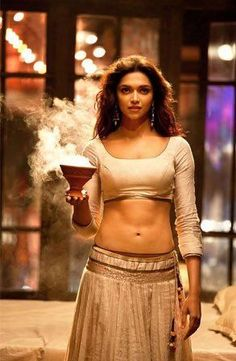 The hot sexy kamar of Bollywood cute actress dipika padukone very tempting navel show . Bollywood Stars, Indian Bollywood, Bollywood Fashion, Beautiful Bollywood Actress, Most Beautiful Indian Actress, Beautiful Actresses, Indian Celebrities, Bollywood Celebrities, Hot Actresses
