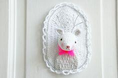 Crochet deer head http://lisenncabane.canalblog.com/