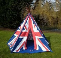 This Union Jack wigwam / teepee play tent is perfect for playing indoors or outdoors, and great fun to use on the beach. Union Jack, Old Baskets, Union Flags, British Things, Kids Tents, Uk Flag, The Great Outdoors, Wonderful Images, Blue Stripes