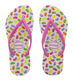 Kids Slim Jelly Beans. Candy brights to sweeten the semblance of little toes. Colourful jelly bean print, slim pink straps and Havaianas Brazilian rubber make these the most delectable fashion accessory of the season!
