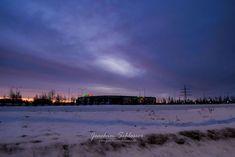 Guten Morgen Augsburg und guten Rutsch!  Mit einem verschneiten Blick (der von gestern Früh) unter tollen Wolken auf die WWK Arena des FCA.  #FCA #Arena #WWKArena #soccer #fussball #stadion #sport #latergram #city #himmel #clouds #mood #sunrise #augsburg #munich #münchen #bayern #bavaria #blogger #lumix #photographer