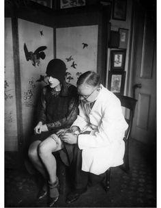 Aujourd'hui, votre site d'information rend hommage aux pionnières du tattoo, en vous montrant les photos de quelques unes d'entre elles.