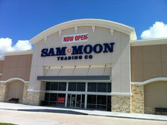 So much stuff to buy here!! Love Sam Moon!