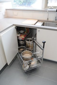 Good solution for corner kitchen cabinet