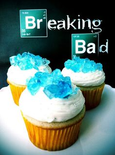 Funny pictures about Breaking Bad cupcakes. Oh, and cool pics about Breaking Bad cupcakes. Also, Breaking Bad cupcakes. Breaking Bad Cupcakes, Breaking Bad Party, Breaking Bad Birthday, Crystal Cupcakes, Make An Infographic, Infographics, Food Porn, Let Them Eat Cake, Gastronomia