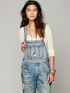Free People - White Long Sleeve V Neck Seamless Overalls Outfit, Cool Style, My Style, White Long Sleeve, Overall Shorts, Knitwear, Free People, V Neck, Outfits