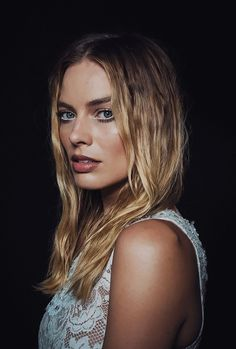 Everything Margot Robbie! Actriz Margot Robbie, Margot Robbie Style, Margot Elise Robbie, Margo Robbie, Hottest Female Celebrities, Celebs, Female Celebrity Crush, Most Beautiful Hollywood Actress, Harley Quinn Comic