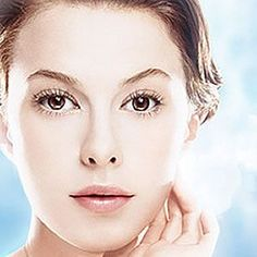 Acne giving you the blues? Fight back with blue light therapy, a completely non-invasive treatment that combats acne causing bacteria and helps decrease sebum production.