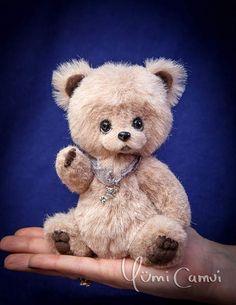Teddy Bear Vinni By Yumi Camui - Bear Pile
