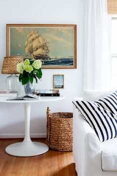 How to Make the Most of Your Rental, According to Interior Designers Cheap Living Room Sets, Coastal Living Rooms, Home Living Room, Living Room Designs, Living Room Furniture, Home Furniture, Living Room Decor, Rustic Furniture, Antique Furniture