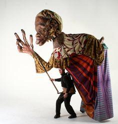 «Les Grandes Personnes sont nées en 1998, elles sont installées à Aubervilliers, en France. Elles ont pour vocation d'... Puppetry Theatre, Stranger Things Halloween, Glove Puppets, Marionette Puppet, Mardi Gras Costumes, Masks Art, Halloween Kostüm, Stop Motion, Amazing Art