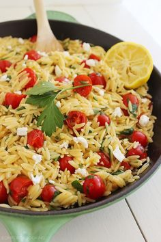 One-Pan Greek Orzo with Tomatoes and Feta – Summery fresh lemon orzo makes a delish side to grilled meats and fish. Try it today!| thecomfortofcooking.com