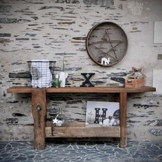 67 Ideas For Reclaimed Wood Furniture Diy Entryway Bench White Wood Table, Solid Wood Dining Table, Rustic Wood Crafts, Rustic Kitchen Island, Sweet Home, Old Chairs, Reclaimed Wood Furniture, Wood Lamps, Ikea
