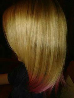 Punten geverfd in flamingo pink, met PurHair een ammonia en peroxide vrije kleuring
