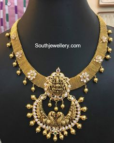 22 carat gold antique mesh necklace with peacock Lakshmi chandbali pendant adorned with floral motifs studded with polki diamonds. 1 Gram Gold Jewellery, Real Gold Jewelry, Gold Wedding Jewelry, Gold Jewelry Simple, Gold Jewellery Design, Bridal Jewelry, Temple Jewellery, Diamond Jewelry, Antique Necklace