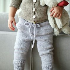 www.paelas.com Knitting For Kids, Sewing For Kids, Baby Knitting, Crochet Baby, Cute Outfits For Kids, Cute Kids, Baby Girl Fashion, Kids Fashion, Wooly Bully