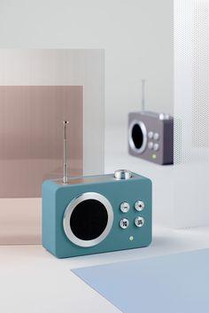 Lexon - MINI DOLMEN, design Lexon Studio Radios, Id Design, Design Trends, Graphic Design, Minimal Design, Modern Design, Lexon Design, Industrial Design Sketch, Diy Speakers