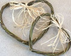 Hearts willow weaving workshop in Cornwall. Perfect for weddings or household decoration. www.wayswithwillow.co.uk