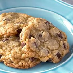 The Best Easy Chocolate Chip Cookies Recipe - An easy chocolate chip cookie recipe made in minutes. These are the best homemade chocolate chip cookies ever! Best Easy Chocolate Chip Cookie Recipe, Homemade Chocolate Chip Cookies, Keto Postres, Buttermilk Banana Bread, Biscuits, Best Pancake Recipe, Cheesy Garlic Bread, Breakfast Casserole Easy, Fun Easy Recipes