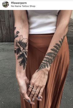 Boho Tattoos, Black Tattoos, Hand Tattoos, Small Tattoos, Tattoos For Guys, Key Tattoos, Botanisches Tattoo, Fern Tattoo, Piercing Tattoo
