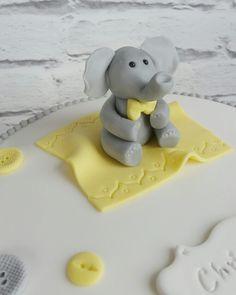 Fondant elephant cake topper by Caketoons More