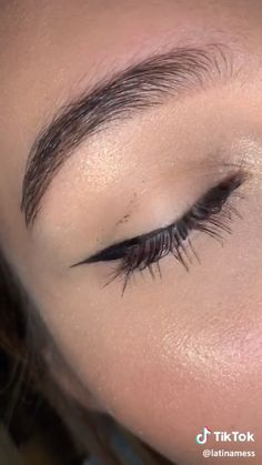 How to do the perfect eye liner in no time  Credits on TikTok: @latinamess Mac Matte Lipstick, Eyeshadow Palette, Mac Lipsticks, Lip Gloss, Makeup Inspo, Makeup Inspiration, Beauty Makeup, Hair Makeup, Eyes