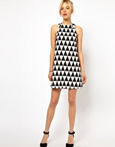 Shop ASOS Shift Dress In Triangle Jacquard. With a variety of delivery, payment and return options available, shopping with ASOS is easy and secure. Shop with ASOS today. Las Vegas, Black And White Fabric, Black White, Asos, Fashion Corner, Dressed To The Nines, Moda Fashion, Minimalist Fashion, Dress Skirt