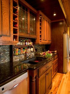 Traditional Kitchen Log Cabin Decorating Design, Pictures, Remodel, Decor and Ideas - page 21