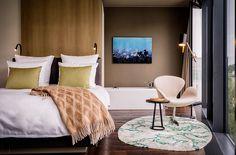 Techos amplios y pisos de madera complementas los espacios. | Galería de fotos 17 de 26 | AD MX