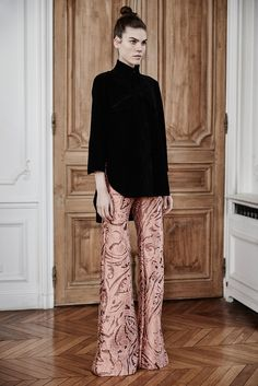 Ellery Fall 2015 Ready-to-Wear - Collection - Gallery - Style.com  http://www.style.com/slideshows/fashion-shows/fall-2015-ready-to-wear/ellery/collection/27