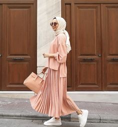 Fashion Summer Hijab Outfit - Fashion Summer Hijab Outfit… Informations About Fashion Summer Hijab Outf - Hijab Fashion Summer, Modest Fashion Hijab, Modern Hijab Fashion, Casual Hijab Outfit, Hijab Fashion Inspiration, Hijab Chic, Hijab Dress, Muslim Fashion, Fashion Outfits