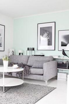 Le vert menthe se marie très bien au noir et blanc ainsi qu'au gris. Source : skonahem.com
