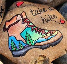 Stone Art Painting, Rock Painting Designs, Pebble Painting, Pebble Art, Painted River Rocks, Hand Painted Rocks, Painted Stones, Girls Night Crafts, Craft Night