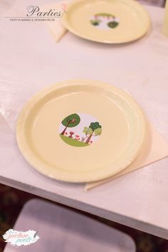 Woodland Forest Plate + Table Setting from a Woodland Animal Birthday Party on Kara's Party Ideas   KarasPartyIdeas.com (21)