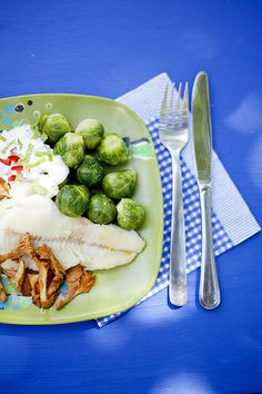 Marthaförbundet Sprouts, Meat, Chicken, Vegetables, Food, Essen, Vegetable Recipes, Meals, Yemek