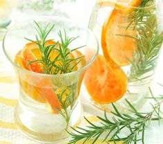 26 Delicious Flavored Water Recipes: Rosemary-orange Flavored Water