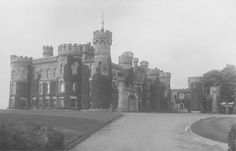 Eridge Green, Sussex, circa In 1937 it was demolished and replaced by a smaller house. English Manor Houses, English House, British Architecture, Architecture Plan, Castle Homes, Welsh Country, Huge Houses, Tower House, Historic Houses