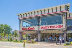 restaurant descriptions (Pigeon Forge and Gatlinburg) - Paula Deen's Family Kitchen Gatlinburg Restaurants, Gatlinburg Vacation, Gatlinburg Tn, Vacation Places, Vacation Trips, Vacation Spots, Family Vacations, Weekend Trips, Vacation Ideas
