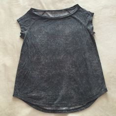 Gray t-shirt In good condition and perfect with any outfit Lilu Tops Tees - Short Sleeve