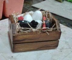 Eliane Artesanato: Porta rolo de papel e cachepô de galinhas