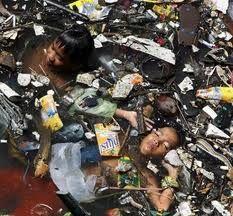 contaminacion, un solo desecho electronico puede contaminar hasta 50.000 litros de agua