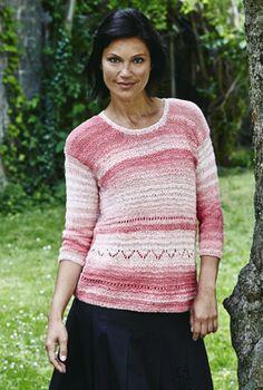 Smuk bluse i blide, rosa nuancer. Garnets smukke farveforløb, kombineret med forskellige, små mønstre giver blusen her et flot og eksklusivt look