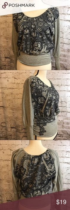"American Rag Heathered Gray Sweatshirt Floral XS Scoop Neck Long sleeve shirt Gray floral print  Gathered bottom  Very light pilling only sign of wear  Approx measurements: Chest 38"" loose flowy style Length almost 24""  XSmall American Rag Tops Sweatshirts & Hoodies"